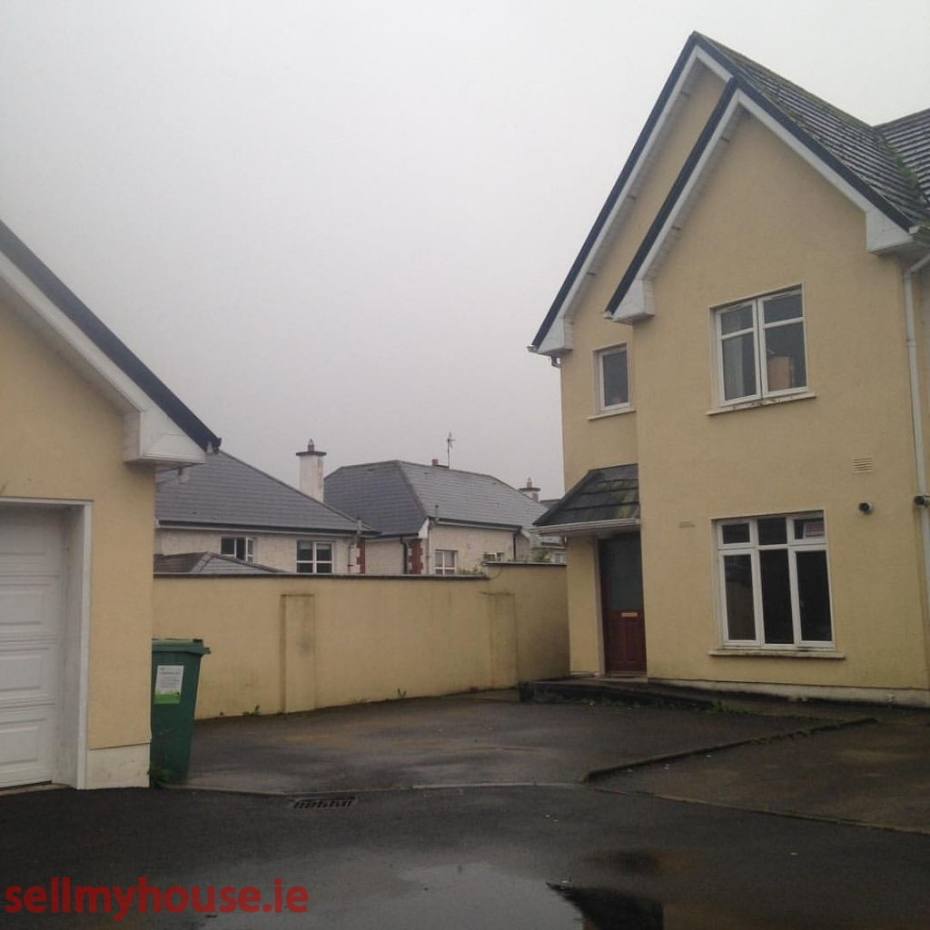 Ballina Semi Detached House for sale