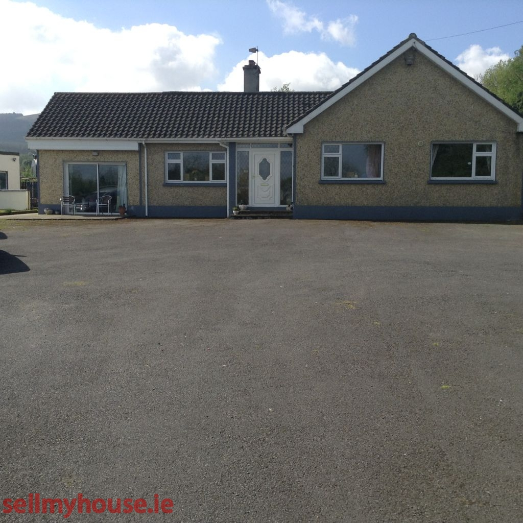 Bansha Bungalow for sale