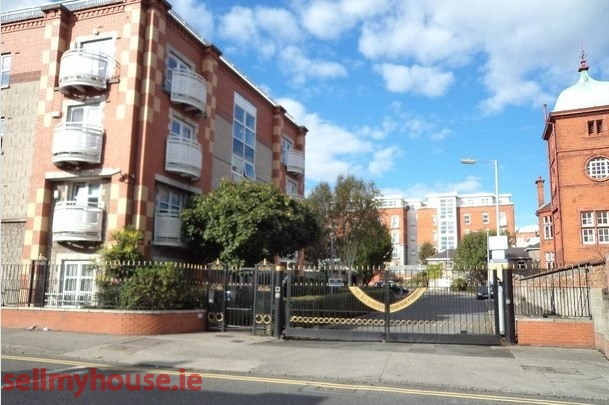 Smithfield Apartment for sale