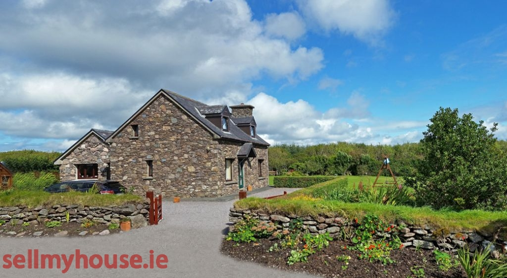 Ballinskelligs Coastal Property for sale