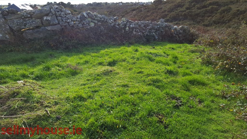1 acre site at Corr Na Run Inverin