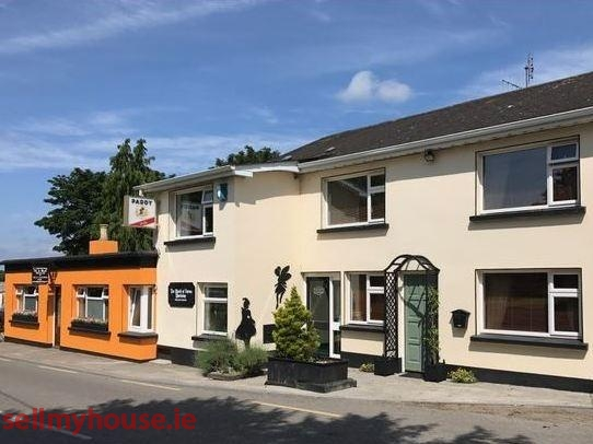 Unique Holiday Let with 5 Bed House