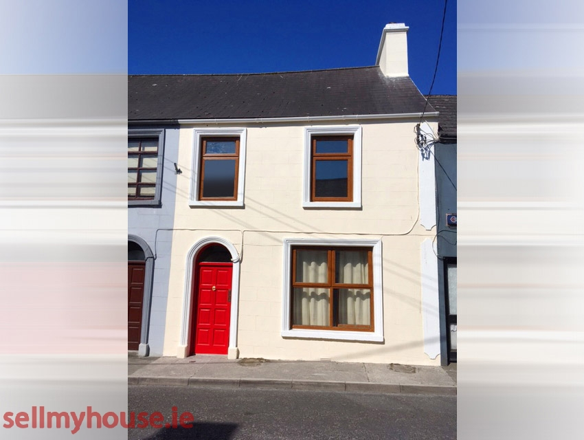 Ballyhaunis Townhouse for sale
