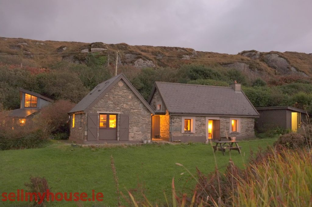 Eyeries Cottage for sale