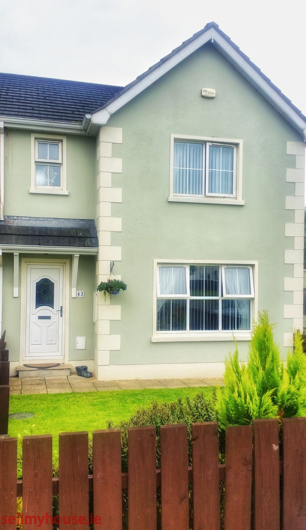 Killea Semi Detached House for sale
